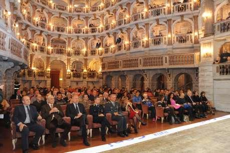 Benemerenze a Mantova: il presidente Perri con il padrone di casa Giuseppe Faugiana