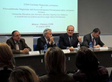Il presidente Oreste Perri ed il Provveditore Regionale alle Carceri della Lombardia, Dr. Aldo Fabozzi, firmano l'Accordo Attuativo